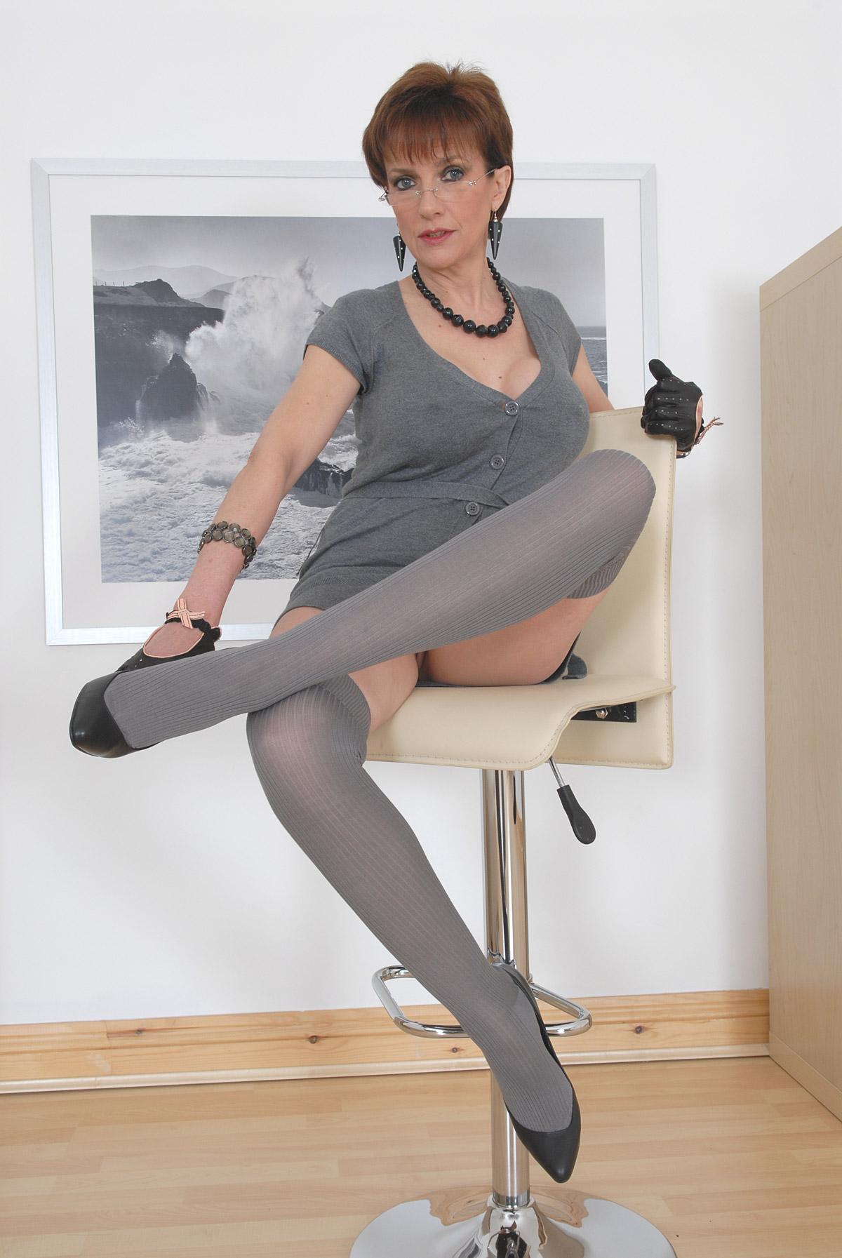 Magnificent lady sonia virtual handjob remarkable idea