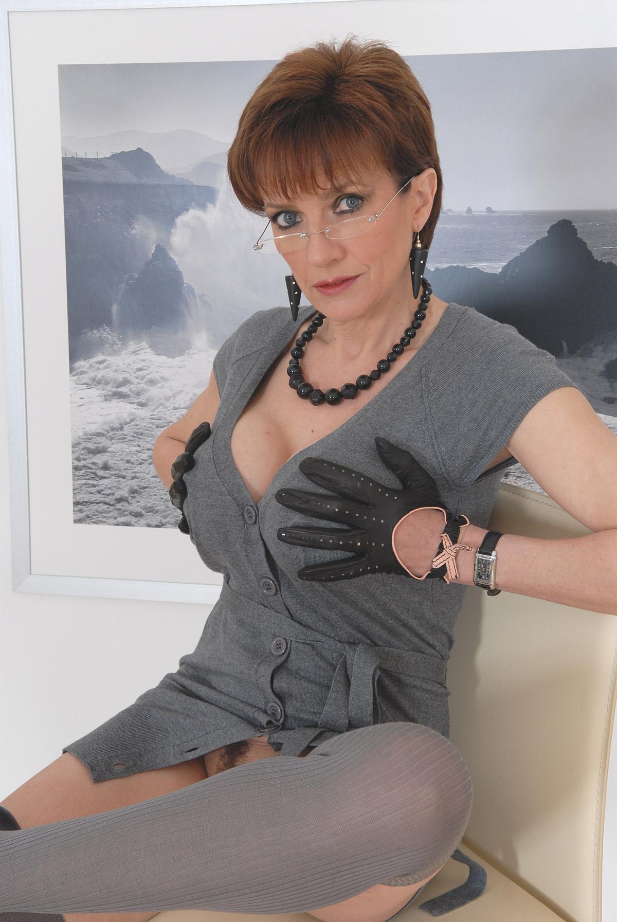 mom seduces her son Search - XVIDEOSCOM