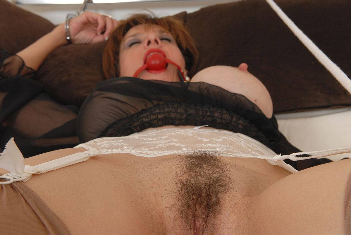 Lady sonia bondage pics free