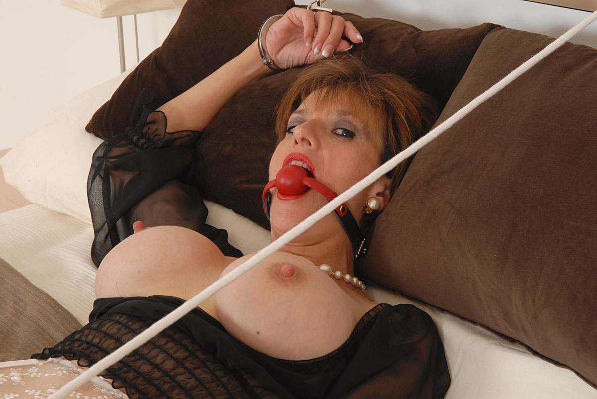Lady Bondage