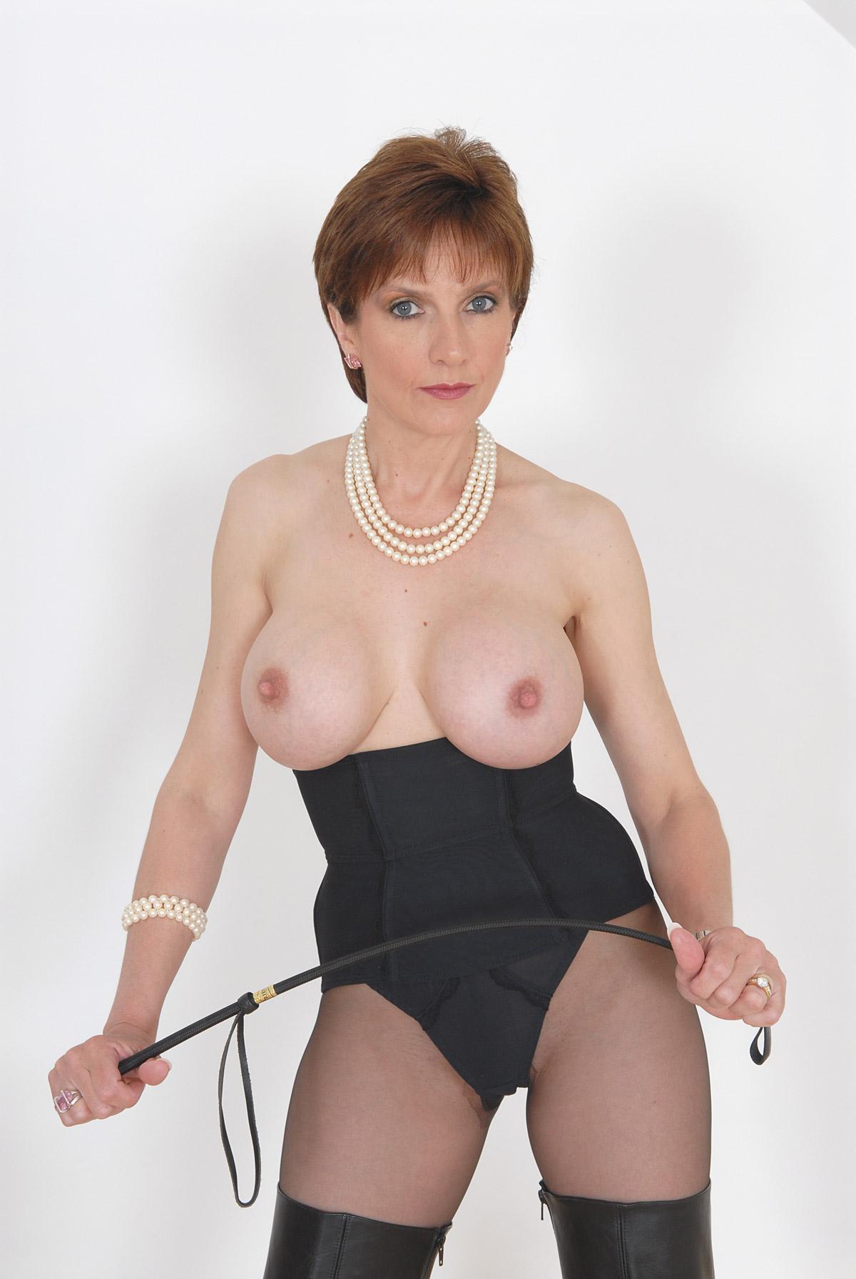 Lady Sonia Domina