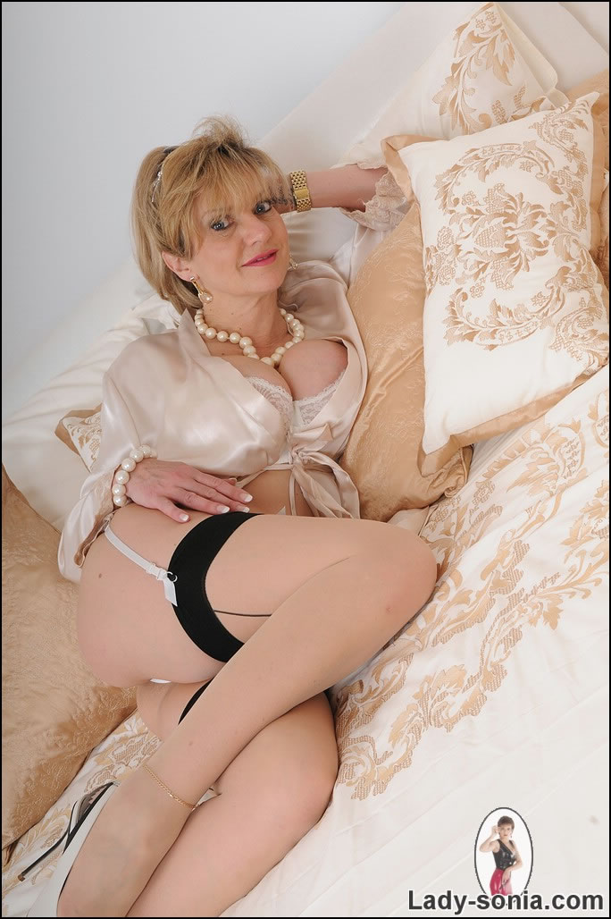 Lady sonia sex
