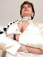 strict_mistress_thumb_4