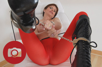 lady sonia in red pantyhose