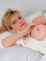 lady-sonia-in-expectation-thumb-6