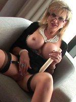 lady-sonia-pussy-thumb-2