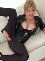 beautiful-mature-lady-Sonia-th-3