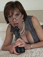 Lady-Sonia-dildo-thumb-01