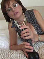Lady-Sonia-dildo-thumb-03