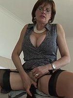 Lady-Sonia-dildo-thumb-05